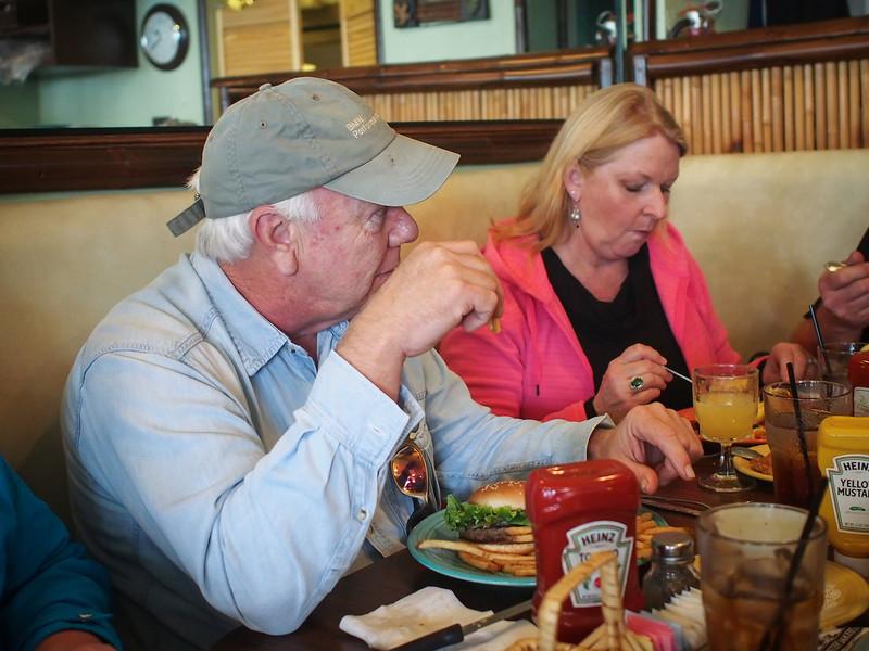 Breakfast In San Clemente - 26 Jan 2013