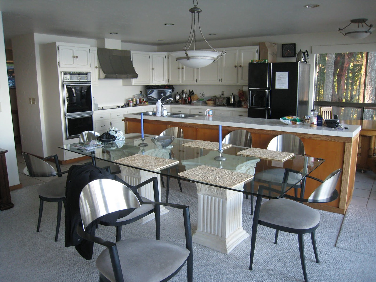 Robinson Cove house on San Juan Island - great kitchen and dining area.