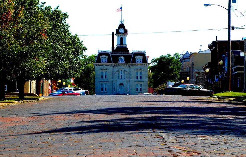 Cottonwood Falls with its brick lined street and historic oldest courthouse in Kansas was explored by many rally participants.