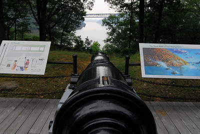 This is the site of the fort's Grand Battery, which featured 32-lb cannons (weight of the cannonball) that had a range of well over a mile. This is likely a spot where one of them was positioned, as it gave a nice shot at British warships coming up the Hudson River.
