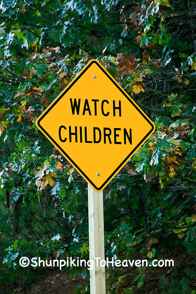 Watch Children Sign, Waupaca County, Wisconsin