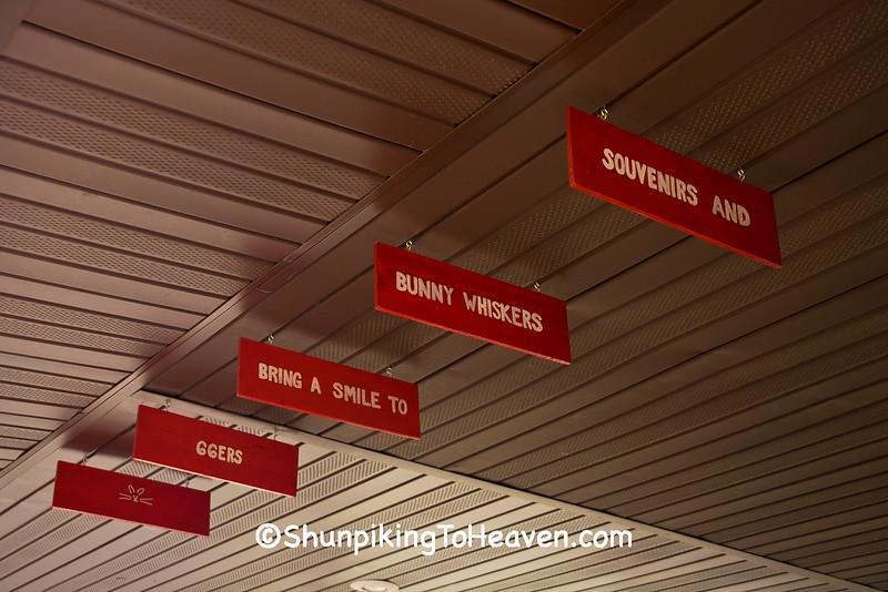 Humorous Jingle, Henry's Rabbit Ranch, Staunton, Illinois