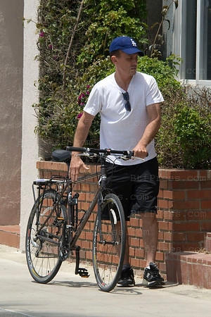 Robert Knepper from Prison Brake rides his bike in Santa Monica, California.