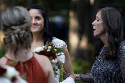 kwhipple_ceremony_robert_laura_20180915_005