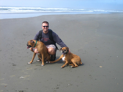 Westport Beach, WA with Heidi & the dogs