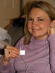 Heidi scores an iPod