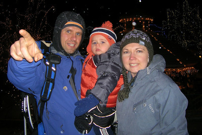 checking out the Christmas lights in Leavenworth, WA