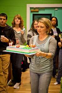 heidi concetrating on not dumping the cake