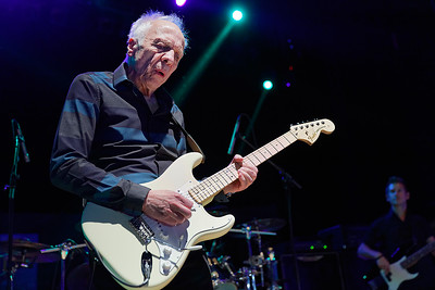 Robin Trower live at Royal Oak Music Theatre on 5-7-16