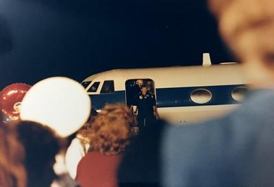 12-1988 STS-27 Crew return