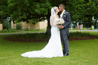 Robyn & Ryan - Cotswold Water Park