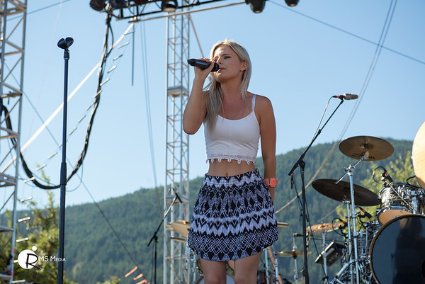 Robyn & Ryleigh | Sunfest Country Music Festival | Duncan BC