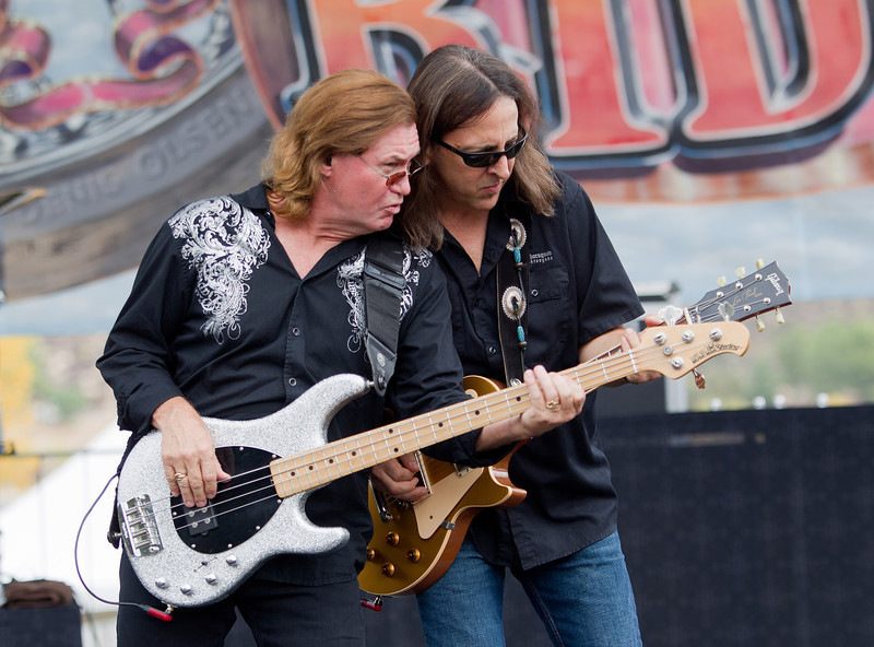Jim Suhler – rhythm guitar<br /> <br /> Billy Blough – bass guitar