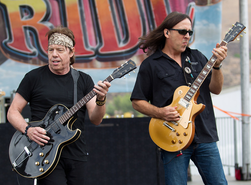 George Thorogood – lead vocals and lead guitar<br /> <br /> Jim Suhler – rhythm guitar
