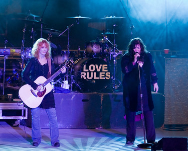 Heart, Ann and Nancy Wilson