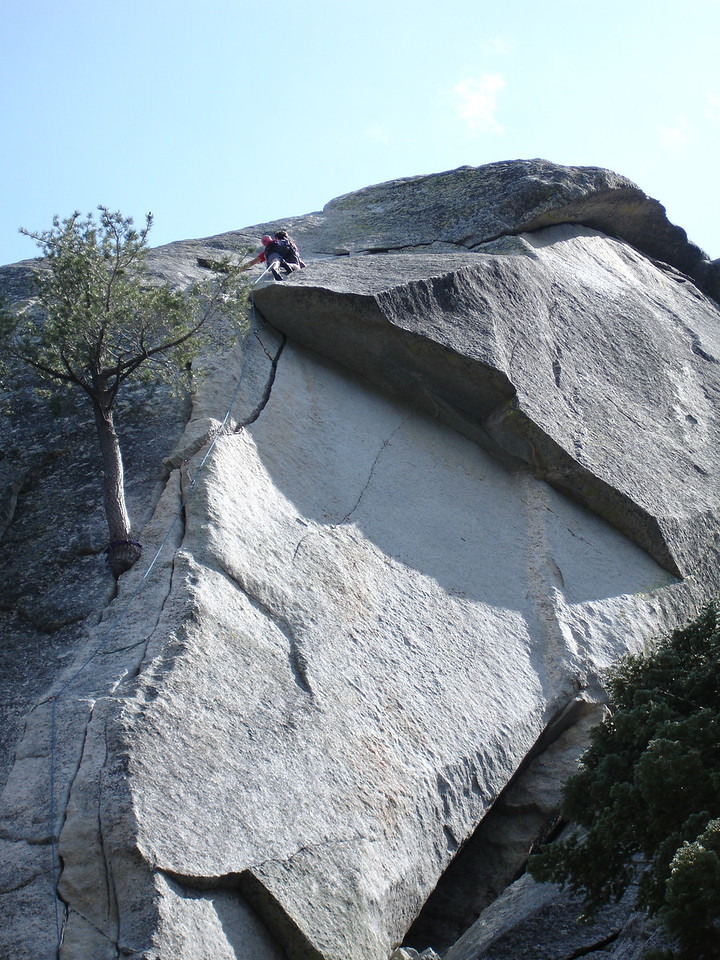 Marty clears the roof on Flower of High Rank 5.9 Suicide Rock.