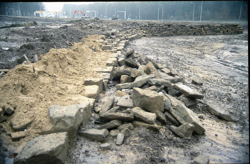 stones in poor yellow soil (Habitat)