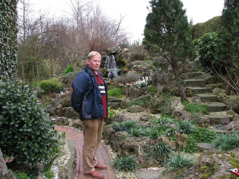 Gardener Sjaak de Groot, spring 2007 (Garden, Sjaak de Groot, De Zilk, Southern Holland)