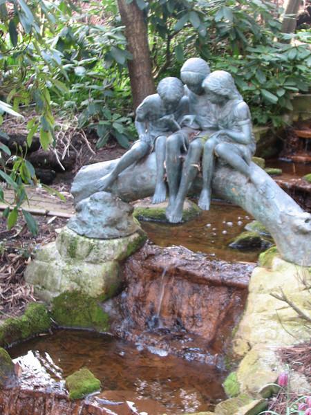 garden statue (Garden, Sjaak de Groot, De Zilk, South Netherland)
