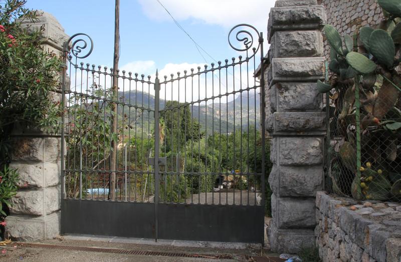 Gate of Gardi Botanice de Sóller,