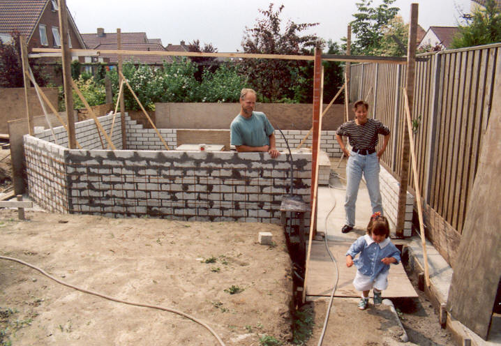 Shed walls (with Marijn, Saskia en Yvette).
