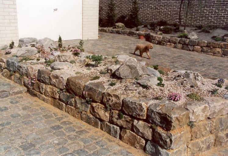 new gardenpart (construction rockgarden 1992)