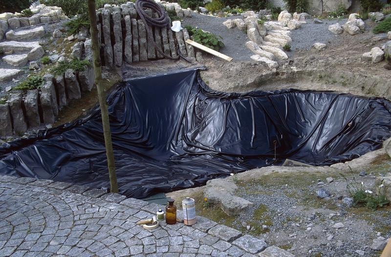 phase 4, plastic waterproof sheet (construction rockgarden 1992)
