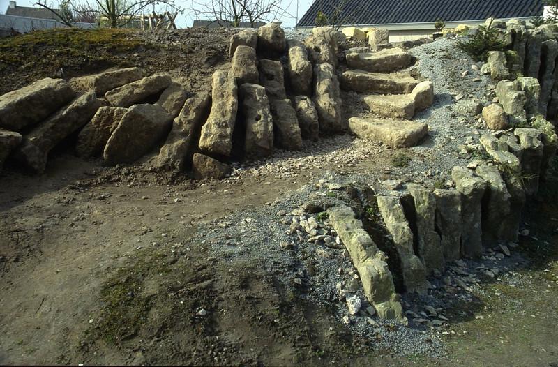 turn over the hypertufa stones ( construction rockgarden 1992 )