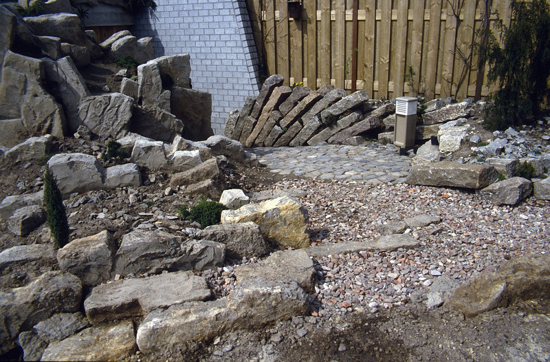 near the entrance of the garden-shed (construction rock garden 1992)