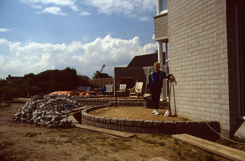 starting with the pavement with supervisor Jeroen ( construction rock garden 1992)