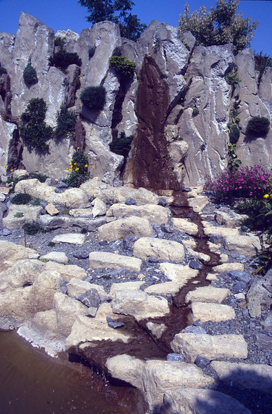 3 m3/h vertical- and horizontal water flow, the end result (construction rockgarden 1992)