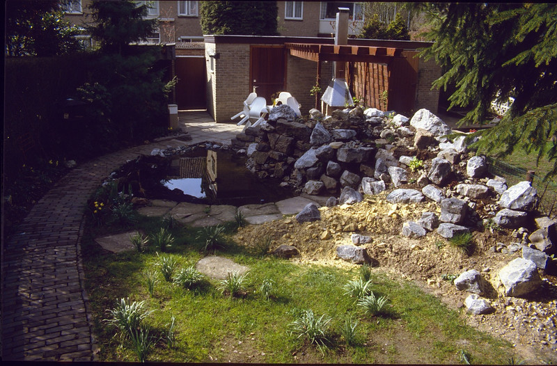 Pergola, terrace with fireplace,rockgarden and patch of grass (1985 - 1989   mirrowed)