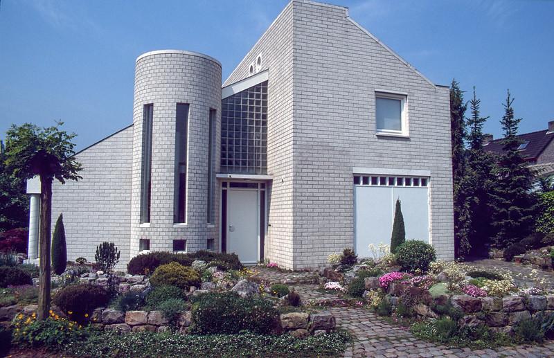 Front-garden 1997