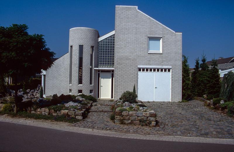 Front-garden 1995