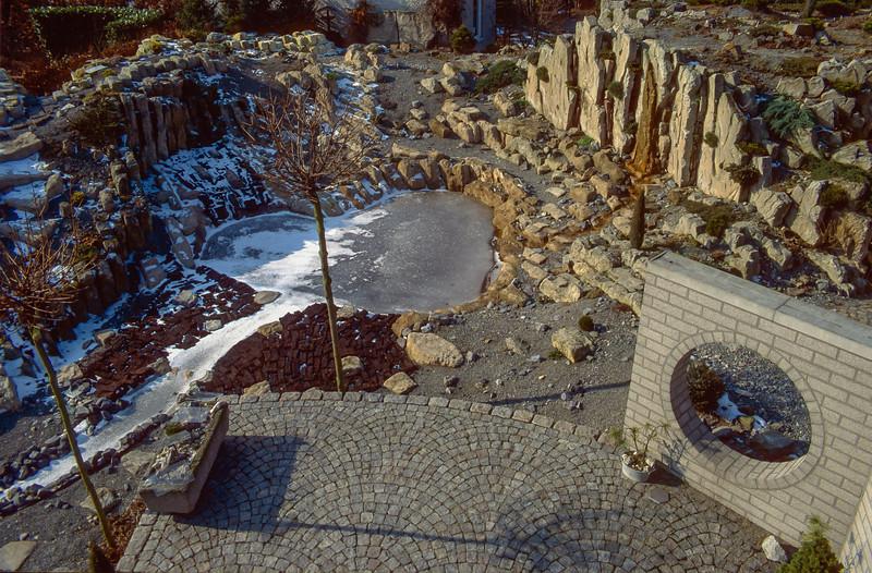 overview rock garden, 1996