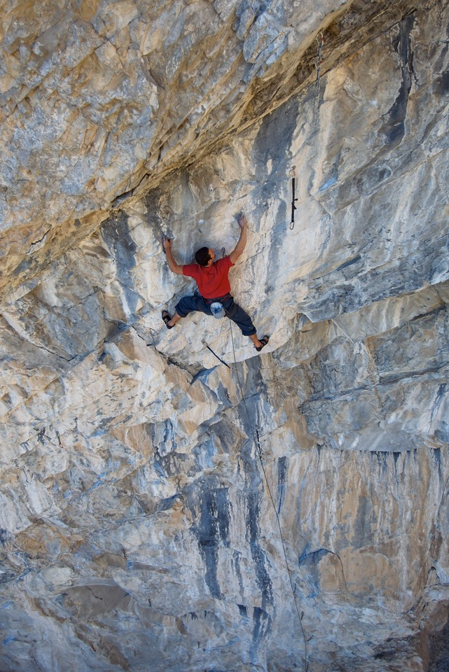 """Simon Meis on the lower part of the 45m long """"Spicy Elephant"""" 13b"""