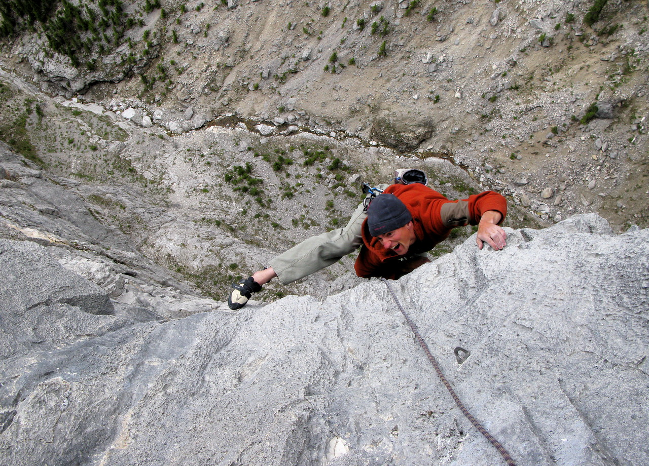 """""""The tall Storey"""", 8 pitches up perfect grey limestone and fully bolted, no need to go to Verdon no more."""