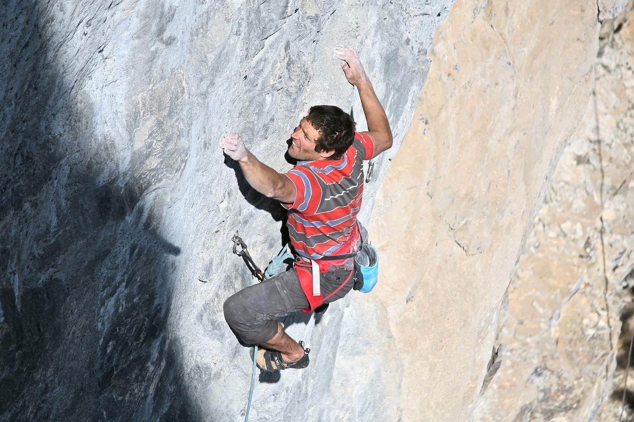 "Simon Meis on ""Zeitgeist"" 5.12d Sector Bellavista, Echo Canyon"