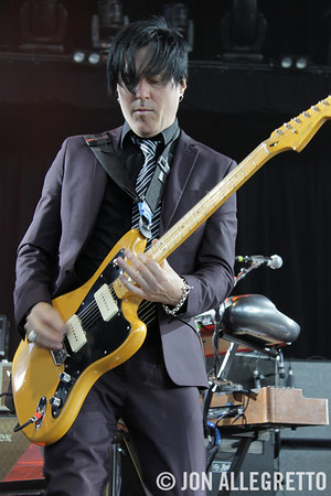 Troy Van Leeuwen (Queens of the Stone Age)