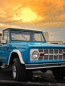 Lynda McCluer wins Jack's 1969 Bronco!!!!  Thanks to Jack Little and everyone who supported The Rock with their donations.