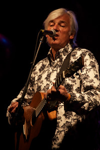 Robyn Hitchcock sounded great and had some amusing yet pointed, or maybe that's pointed yet amusing, comments on this point of time in history.