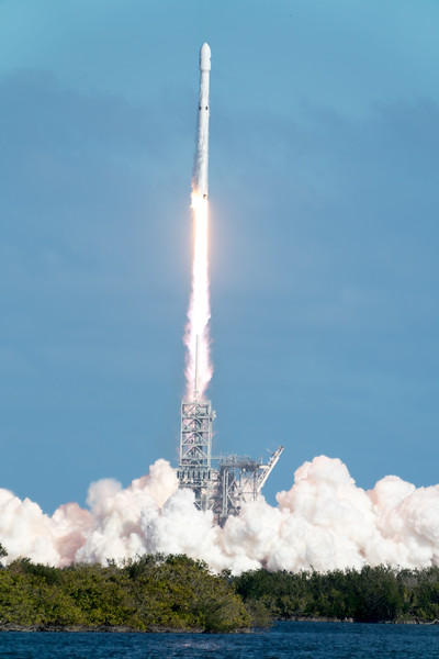 Space X - Falcon Heavy
