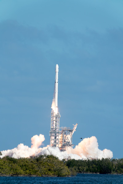 Space X - Falcon Heavy, We Have Liftoff!