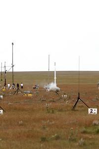 NCR 10-4-08_AMRAAM-WhiteRkt-WhiteMtr2_RL3_4591