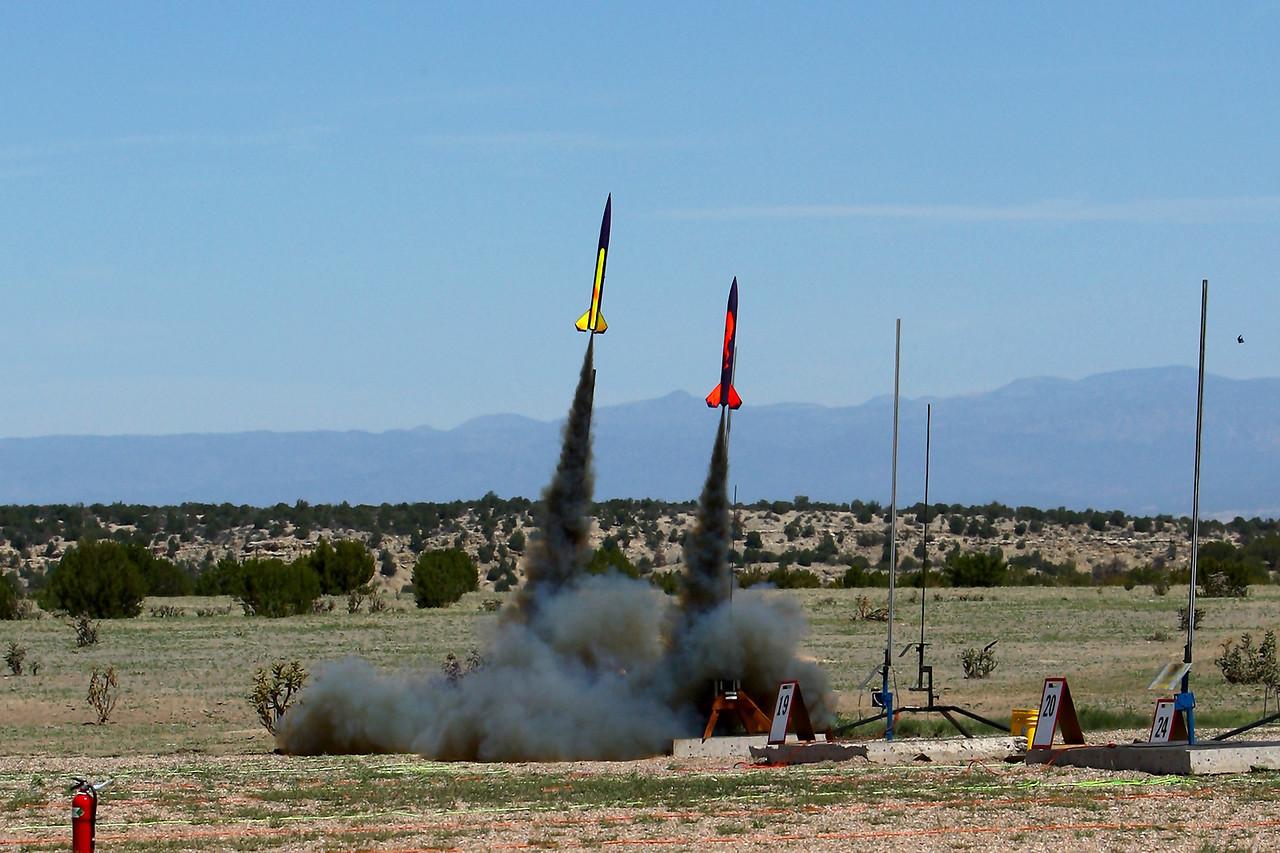 Chris-JeffLewis-FireStreakDragRace-H143SS_SCORE-NSL_5-25-13_RAL_RL1D8555