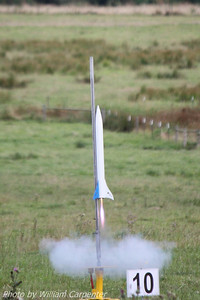 My Madcow Rocketry Solar Express lifts off on a Cesaroni F36 Blue Streak.