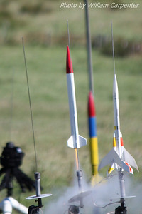 My Red River Rocketry Slipstream lifts off from the model pads on a B6.