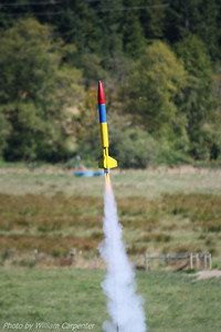 Dave Woodard's LOC Viper III lifts off.