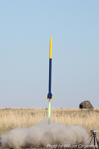 My Rocket Dynamic Systems Shooting Star lifts off on a Cesaroni H159 Green motor on a flight to 1776'.