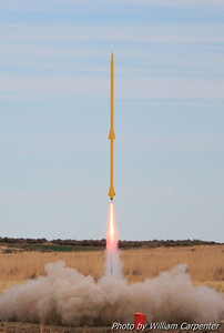Dale Woodford's two-stage rocket flies again, staging beautifully to a long-burn K185.